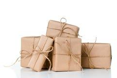 Plusieurs boîte-cadeau, colis postaux images libres de droits
