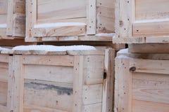 Plusieurs caisses en bois Image libre de droits