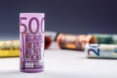 Plusieurs centaines d'euro billets de banque empilés par valeur Euro concept d'argent Billets de banque d'euro de Rolls Euro devi Photographie stock libre de droits