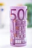 Plusieurs centaines d'euro billets de banque empilés par valeur Euro concept d'argent Billets de banque d'euro de Rolls Euro devi Photographie stock
