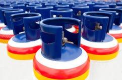 Plusieurs des réservoirs à gaz Image libre de droits