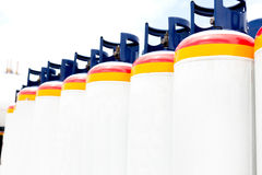 Plusieurs des réservoirs à gaz Photographie stock