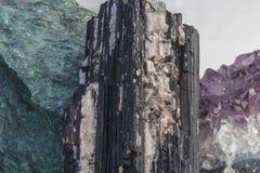 Plusieurs hauts étroits de beaux cristaux curatifs images stock
