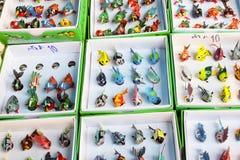 Plusieurs jouets de poissons par le travail manuel en vente Image stock