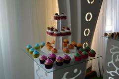 Plusieurs mini gâteaux Photos stock