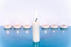 Plusieurs petites bougies Image libre de droits