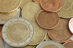 Plusieurs pièces de monnaie d'euro Photos stock