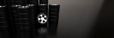 Plusieurs piles de pneus de voiture Photos stock