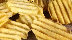pluskoczącej chip ziemniaka zdjęcie wideo