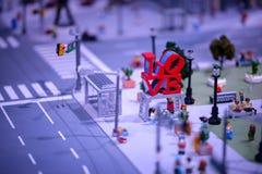 PLYMOUTH MÖTE, PA - APRIL 6: Storslagen öppning av den Legoland upptäcktmitten Philadelphia, PA på April 6, 2017 Royaltyfri Bild