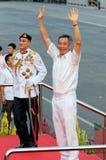 PM Lee die aan publiek tijdens NDP 2009 golft Stock Fotografie