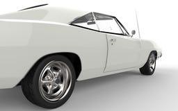 Pneu arrière d'une voiture blanche de muscle de vintage Image stock
