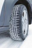 Pneu do inverno na neve, close up Imagens de Stock Royalty Free
