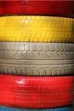 Pneu en caoutchouc multicolore, pile pliée Photographie stock libre de droits