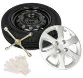 Pneumático com o tampão da chave de fenda, da luva e de roda Imagem de Stock Royalty Free