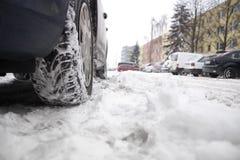 Pneumatico in neve Immagine Stock