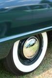 Pneus clássicos de Whitewall do carro Imagem de Stock