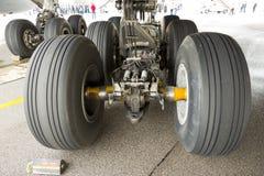Pneus de Airbus A380 Imagens de Stock