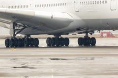 Pneus do avião de Airbus A380 Fotografia de Stock Royalty Free