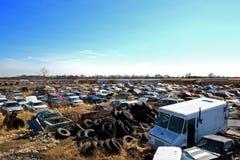 Pneus do cemitério de automóveis Fotografia de Stock