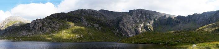 Pnorama σειράς βουνών Idwal Llyn Στοκ φωτογραφία με δικαίωμα ελεύθερης χρήσης