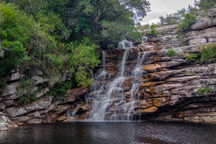 Poço gör den Diabo vattenfallet i den Mucugezinho floden - Chapada Diamantina, Bahia, Brasilien Arkivbild