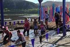 Poço 2014 da lama da lavagem de carro de corridas da lama de Muderrella Foto de Stock Royalty Free