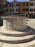 Poço de água - detalhes da arquitetura Foto de Stock