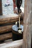 Poço de madeira velho Fotografia de Stock