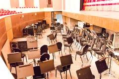 Poço de orquestra vazio no teatro Fotos de Stock Royalty Free