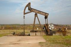 Poço de petróleo Imagens de Stock Royalty Free