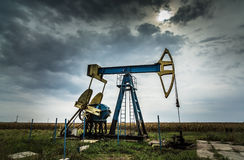 Poço de petróleo e gás ativo Fotografia de Stock Royalty Free