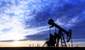 Poço de petróleo e gás de funcionamento Foto de Stock Royalty Free