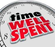 Poço do tempo - palavras 3D gastas que dizem a face do relógio das citações Fotografia de Stock Royalty Free