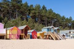 POÇOS EM SEGUIDA O MAR, NORFOLK/UK - 3 DE JUNHO: Alguns coloridos brilhantemente Foto de Stock Royalty Free