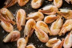 Poêle avec des fruits de mer Photographie stock