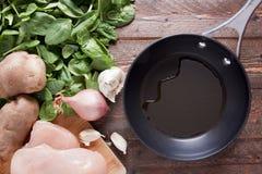 Poêle avec l'huile végétale Photo stock
