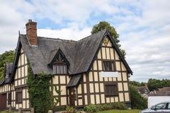 Połówka Cembrował budynek w targowym miasteczku Sandbach Anglia Zdjęcia Stock