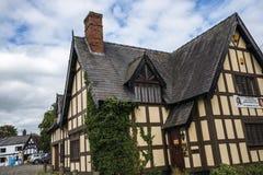 Połówka Cembrował budynek w targowym miasteczku Sandbach Anglia Zdjęcia Royalty Free