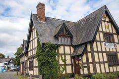 Połówka Cembrował budynek w targowym miasteczku Sandbach Anglia Fotografia Royalty Free