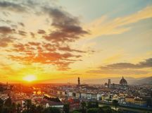 Położenia słońce w Florencja Zdjęcia Royalty Free