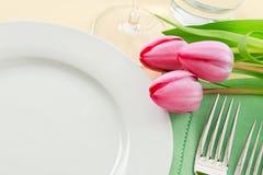 położenia wiosna stół Zdjęcia Royalty Free