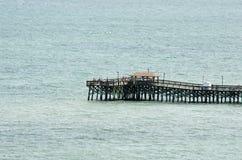 Połowu molo przy mirt plażą Zdjęcie Stock