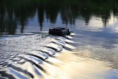 Połowu popasu dozownika łódź Obrazy Royalty Free
