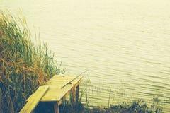 Połowu prącie na brzeg rzeki w jesieni Obrazy Stock