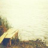 Połowu prącie na brzeg rzeki w jesieni Fotografia Royalty Free