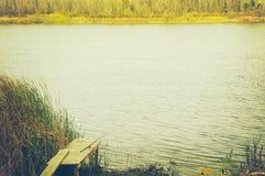 Połowu prącie na brzeg rzeki w jesieni Obraz Stock