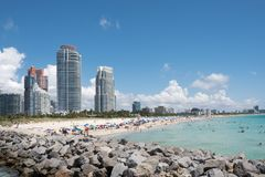 Południa Plażowy linia horyzontu, strzał od Południowego Pointe, Miami plaża, Floryda, usa obrazy royalty free