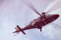 Południe - afrykański siły powietrzne Agusta latanie w menchia dymu Obrazy Stock