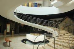 Południe - afrykański Żydowski muzeum w Kapsztad, Ślimakowaty schody zdjęcia stock